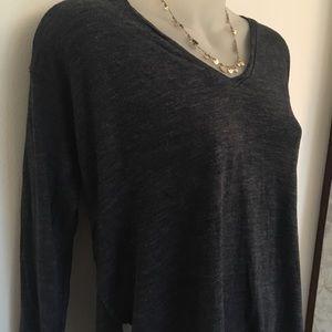 Madewell Blue Long-Sleeved T-Shirt~V-Neck~Size XS